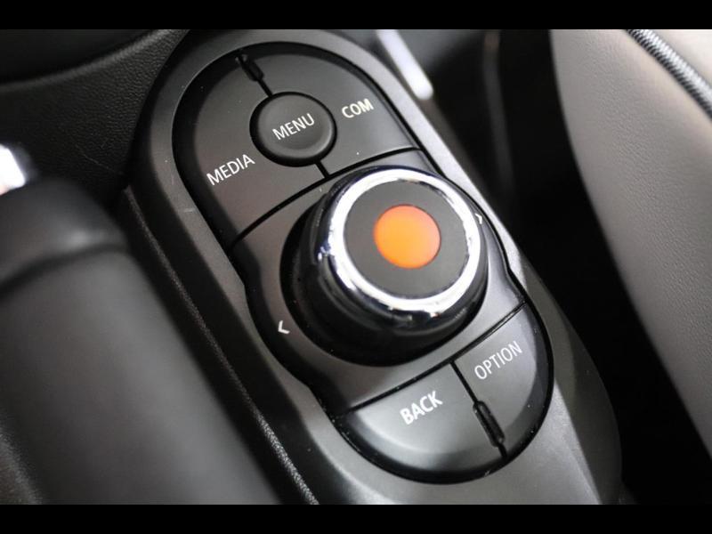 Photo 22 de l'offre de MINI Mini Cooper 136ch à 21990€ chez Autovia Véhicules Multimarques