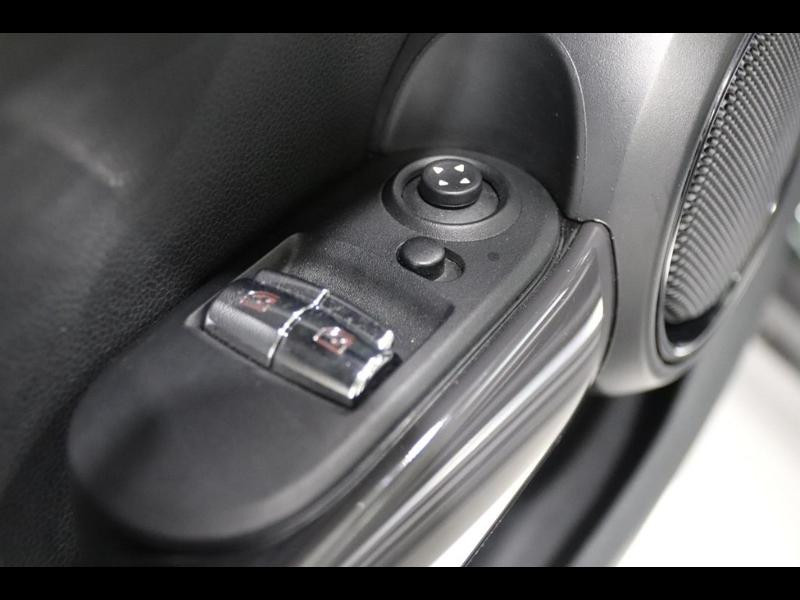 Photo 13 de l'offre de MINI Mini Cooper 136ch à 21990€ chez Autovia Véhicules Multimarques