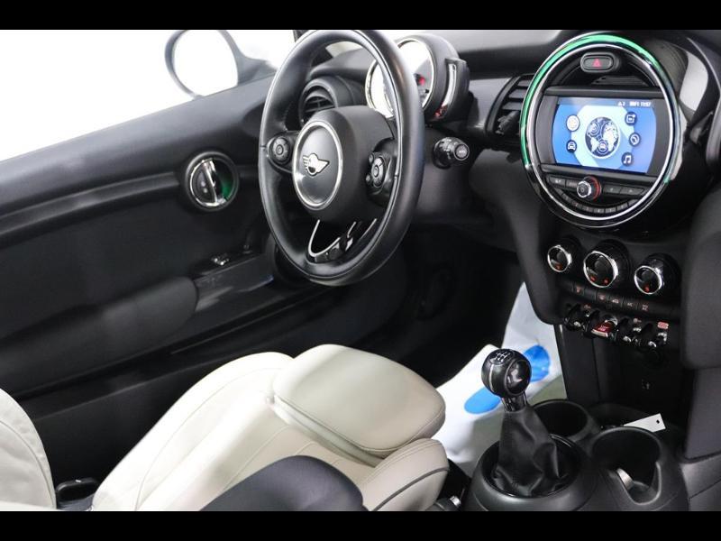 Photo 2 de l'offre de MINI Mini Cooper 136ch à 21990€ chez Autovia Véhicules Multimarques