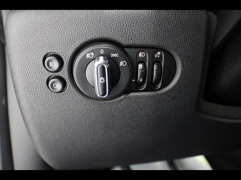 Photo 14 de l'offre de MINI Mini Cooper 136ch à 21990€ chez Autovia Véhicules Multimarques
