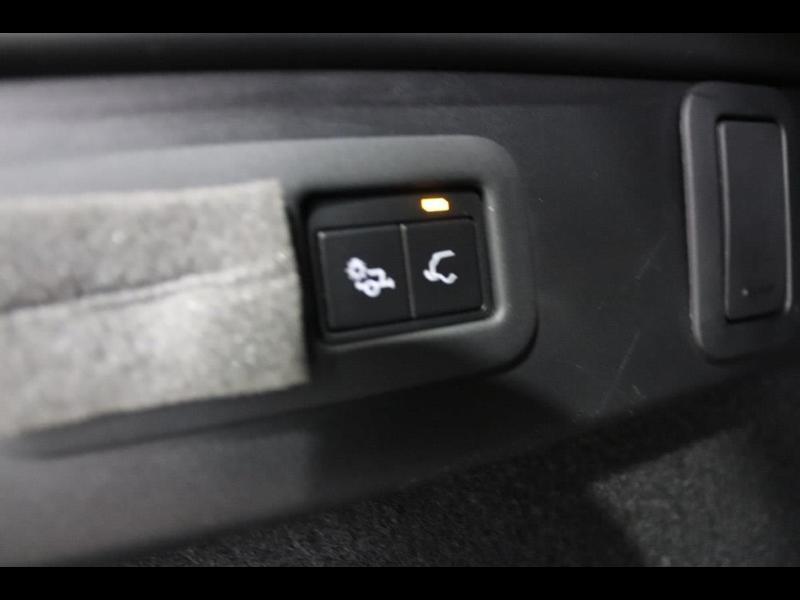 Photo 13 de l'offre de LAND-ROVER Range Rover Velar 2.0D 180ch AWD BVA à 51990€ chez Autovia Véhicules Multimarques