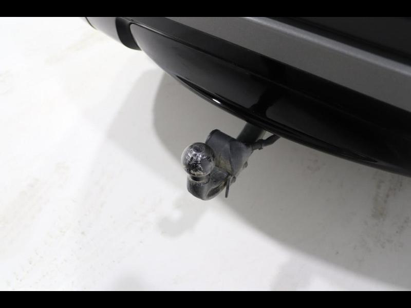 Photo 7 de l'offre de LAND-ROVER Range Rover Velar 2.0D 180ch AWD BVA à 51990€ chez Autovia Véhicules Multimarques