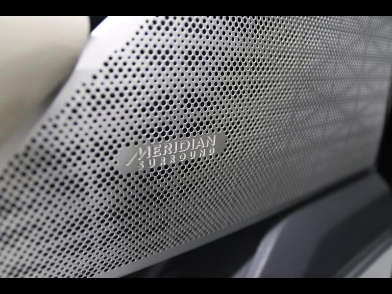 Photo 20 de l'offre de LAND-ROVER Range Rover Velar 2.0D 180ch AWD BVA à 51990€ chez Autovia Véhicules Multimarques