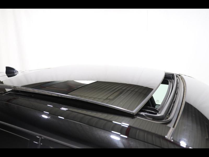 Photo 9 de l'offre de LAND-ROVER Range Rover Velar 2.0D 180ch AWD BVA à 51990€ chez Autovia Véhicules Multimarques