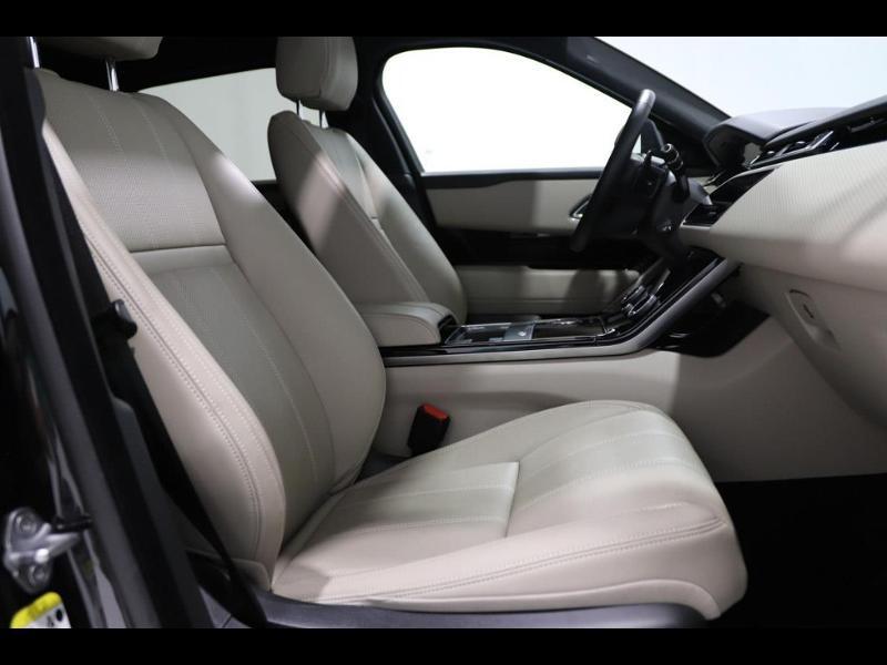 Photo 11 de l'offre de LAND-ROVER Range Rover Velar 2.0D 180ch AWD BVA à 51990€ chez Autovia Véhicules Multimarques