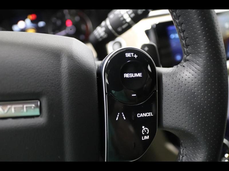 Photo 24 de l'offre de LAND-ROVER Range Rover Velar 2.0D 180ch AWD BVA à 51990€ chez Autovia Véhicules Multimarques