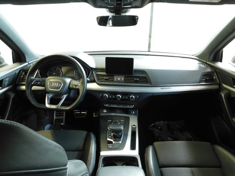 Photo 2 de l'offre de AUDI Q5 2.0 TDI 190ch S line quattro S tronic 7 à 37500€ chez Autovia Véhicules Multimarques
