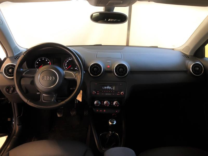 Photo 2 de l'offre de AUDI A1 1.2 TFSI 86ch Ambiente à 11990€ chez Autovia Véhicules Multimarques