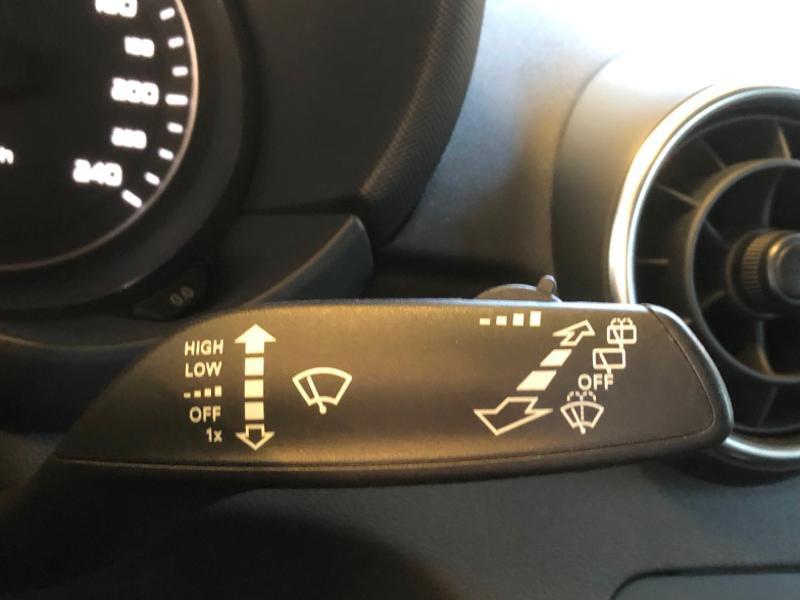 Photo 10 de l'offre de AUDI A1 1.2 TFSI 86ch Ambiente à 11990€ chez Autovia Véhicules Multimarques