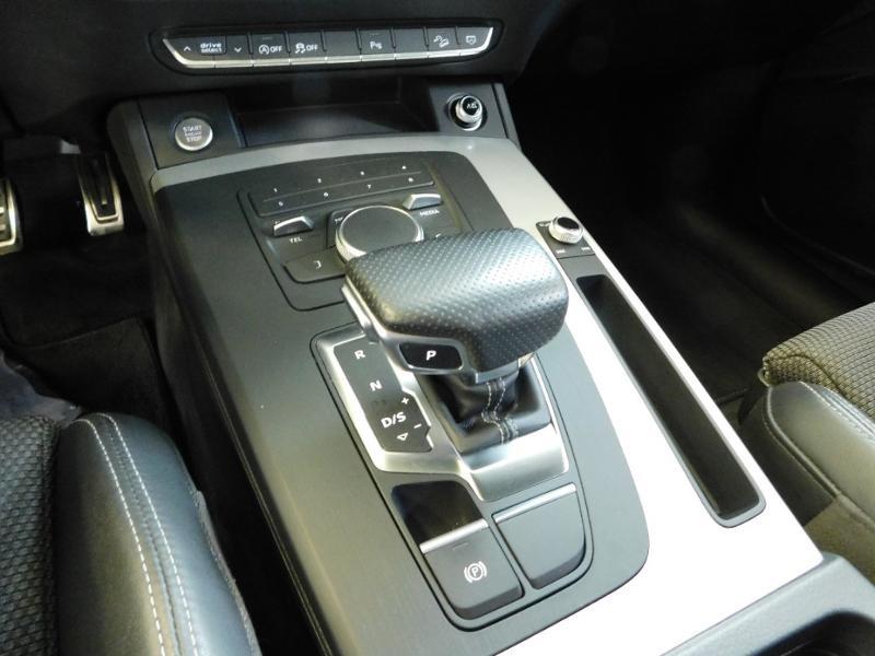 Photo 8 de l'offre de AUDI Q5 2.0 TDI 190ch S line quattro S tronic 7 à 37500€ chez Autovia Véhicules Multimarques