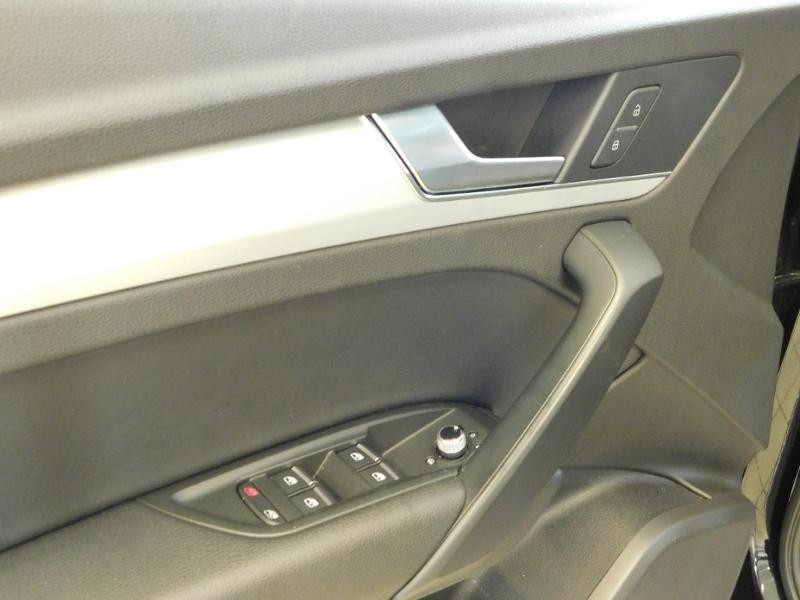 Photo 13 de l'offre de AUDI Q5 2.0 TDI 190ch S line quattro S tronic 7 à 37500€ chez Autovia Véhicules Multimarques