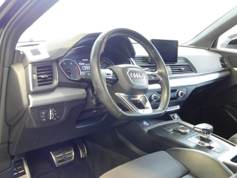 Photo 10 de l'offre de AUDI Q5 2.0 TDI 190ch S line quattro S tronic 7 à 37500€ chez Autovia Véhicules Multimarques