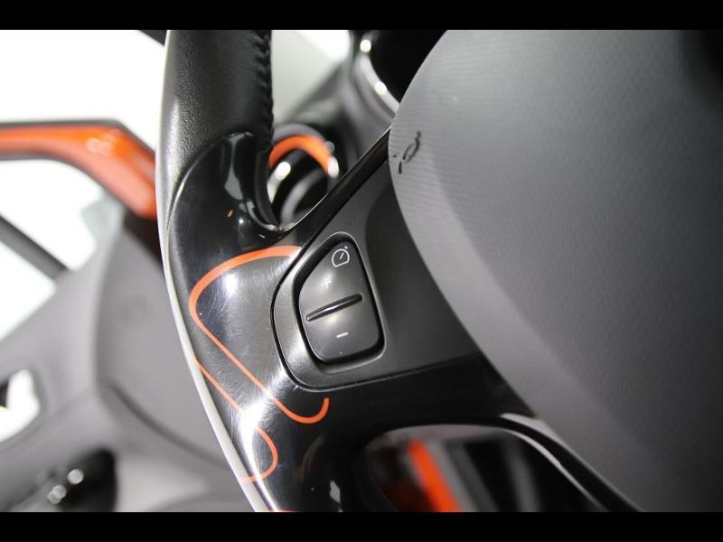 Photo 14 de l'offre de RENAULT Captur 1.5 dCi 90ch Stop&Start energy Intens eco² à 11990€ chez Autovia Véhicules Multimarques