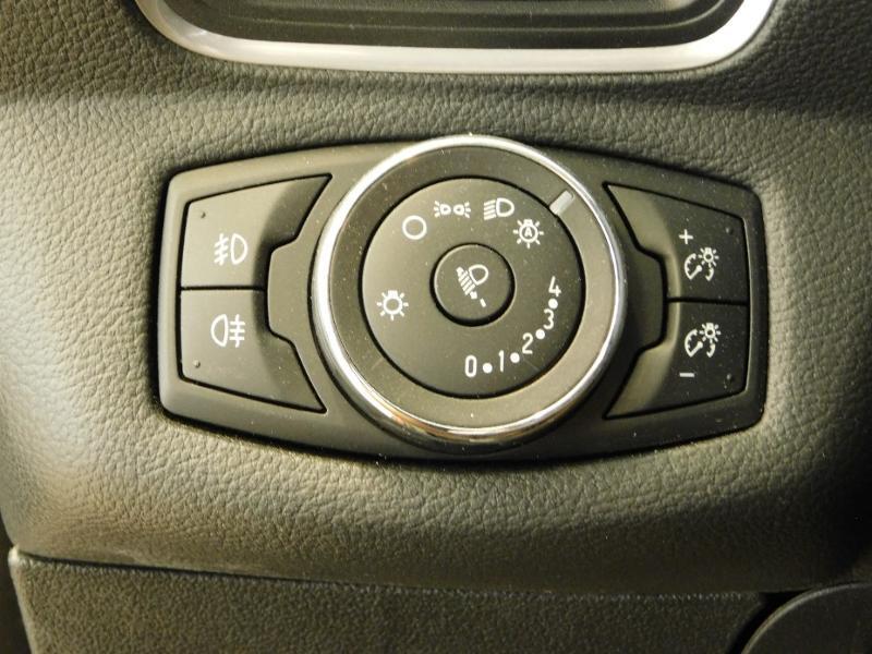 Photo 13 de l'offre de FORD B-MAX 1.0 SCTi 100ch EcoBoost Stop&Start Edition à 11290€ chez Autovia Véhicules Multimarques