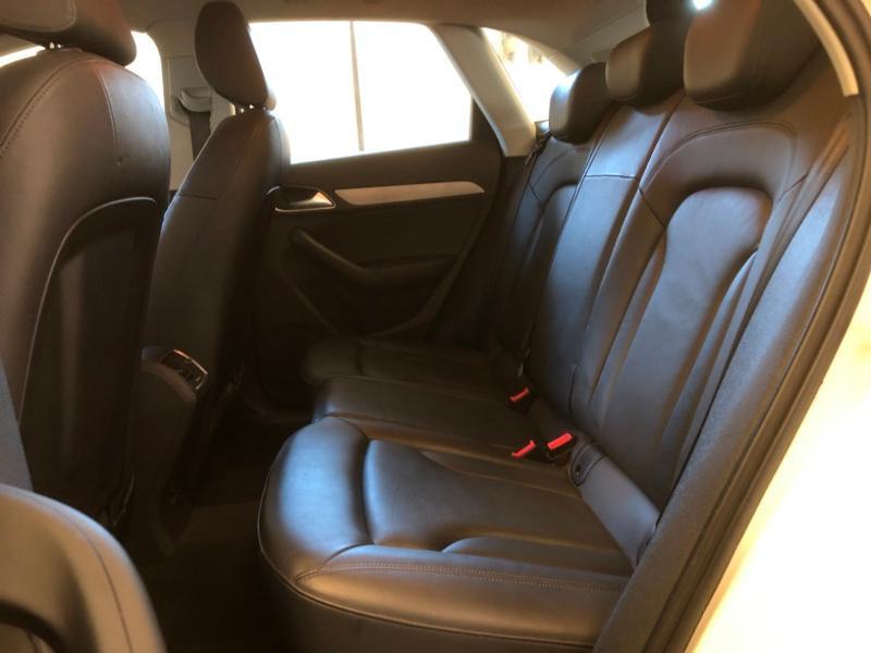 Photo 25 de l'offre de AUDI Q3 2.0 TDI 177ch Ambition Luxe quattro S tronic 7 à 22990€ chez Autovia Véhicules Multimarques