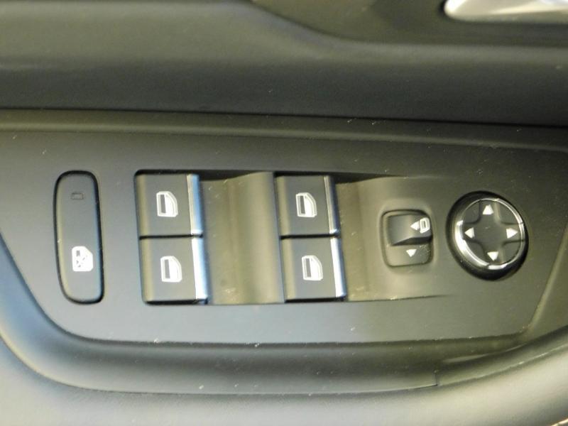 Photo 12 de l'offre de PEUGEOT 508 BlueHDi 180ch S&S GT EAT8 à 28990€ chez Autovia Véhicules Multimarques
