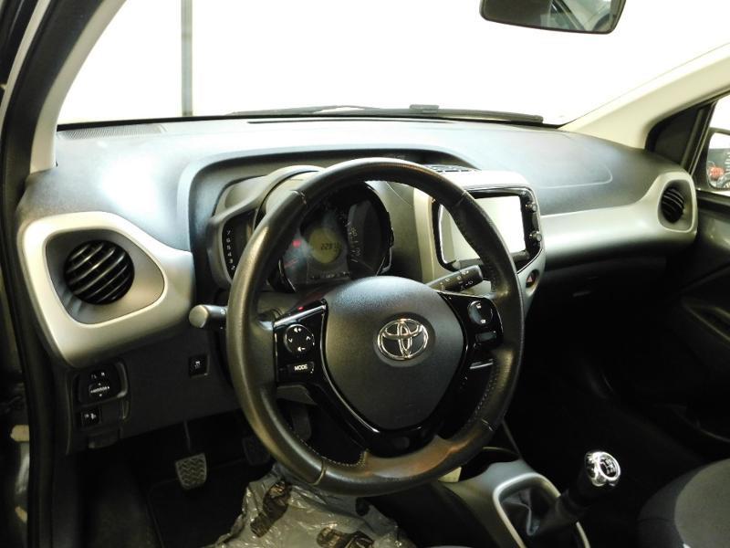 Photo 7 de l'offre de TOYOTA Aygo 1.0 VVT-i 69ch x-wave 2 5p à 9990€ chez Autovia Véhicules Multimarques