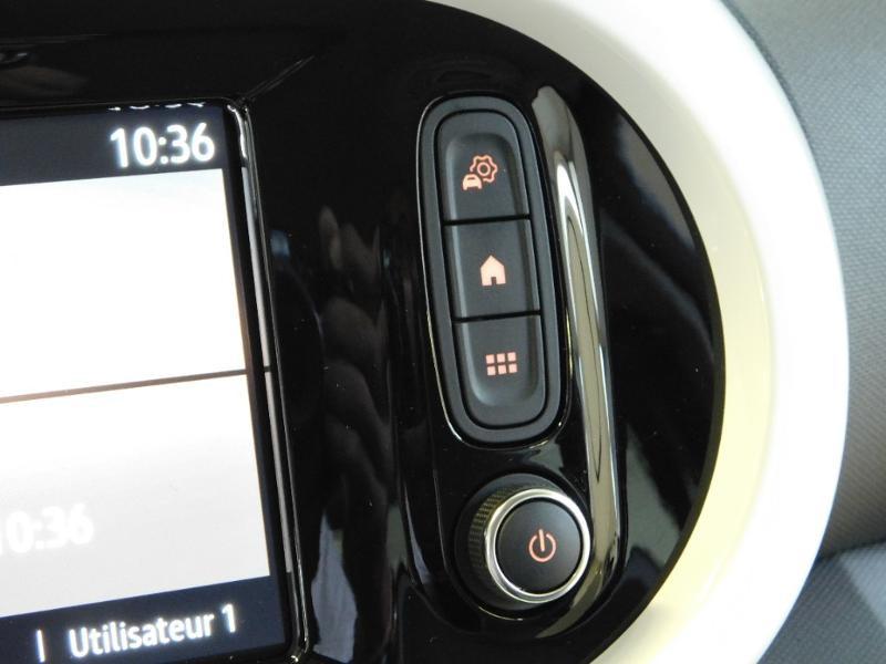Photo 19 de l'offre de RENAULT Twingo 1.0 SCe 65ch Zen - 21 à 12890€ chez Autovia Véhicules Multimarques