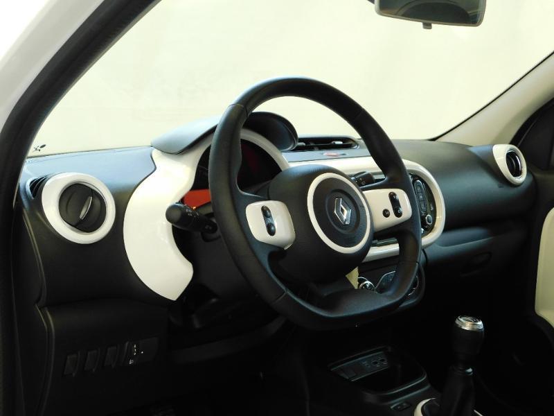 Photo 8 de l'offre de RENAULT Twingo 1.0 SCe 65ch Zen - 21 à 12890€ chez Autovia Véhicules Multimarques