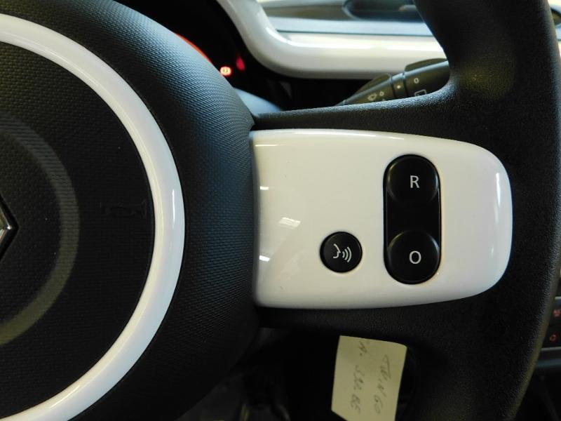 Photo 16 de l'offre de RENAULT Twingo 1.0 SCe 65ch Zen - 21 à 12890€ chez Autovia Véhicules Multimarques
