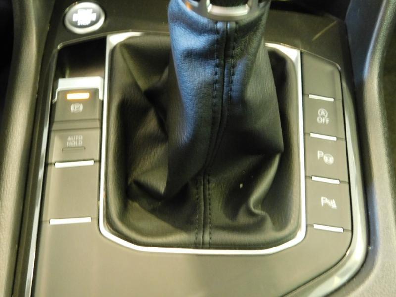 Photo 17 de l'offre de VOLKSWAGEN Tiguan 2.0 TDI 150ch BlueMotion Technology Confortline à 25690€ chez Autovia Véhicules Multimarques