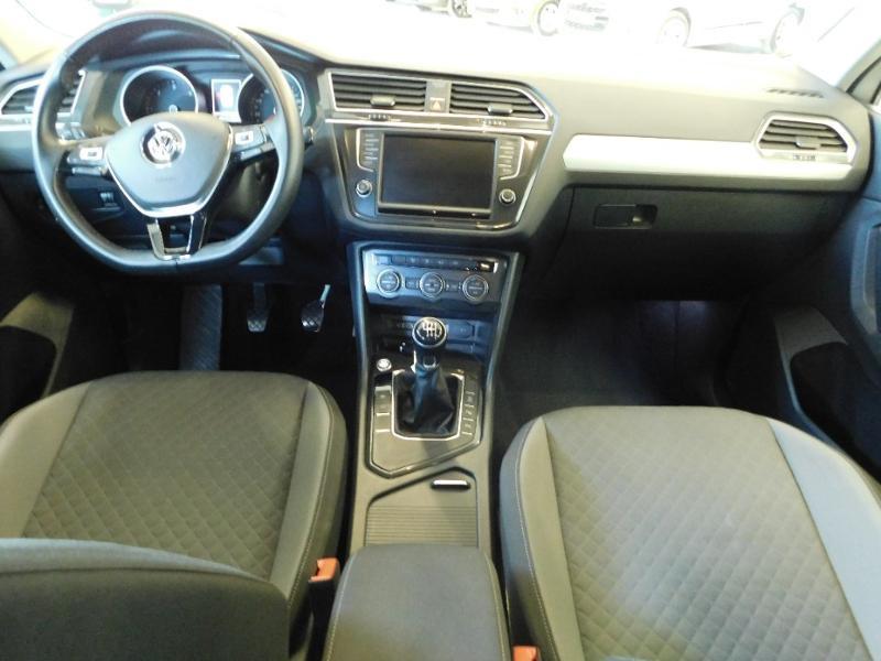 Photo 2 de l'offre de VOLKSWAGEN Tiguan 2.0 TDI 150ch BlueMotion Technology Confortline à 25690€ chez Autovia Véhicules Multimarques