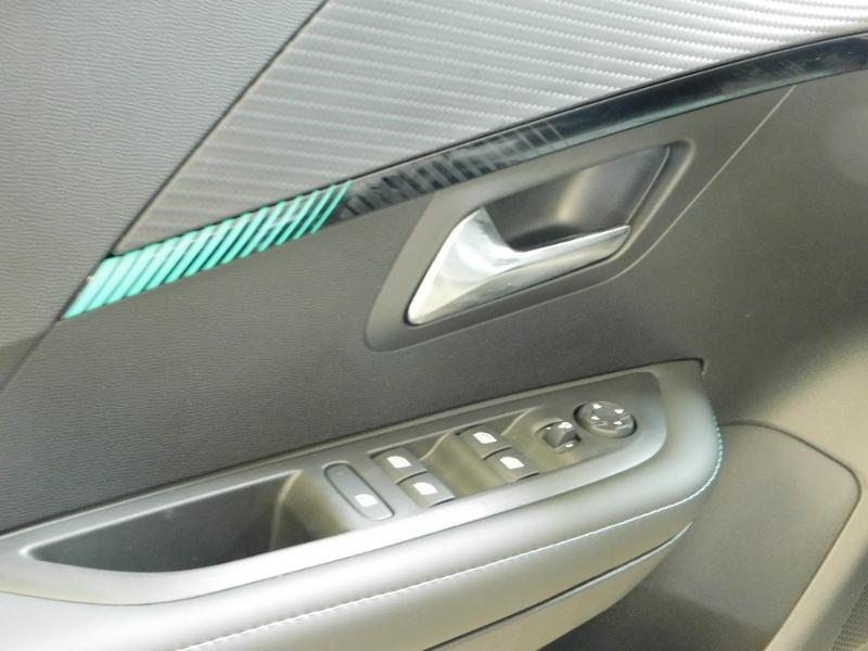Photo 23 de l'offre de PEUGEOT 208 1.2 PureTech 100ch S&S Allure Pack EAT8 à 24690€ chez Autovia Véhicules Multimarques