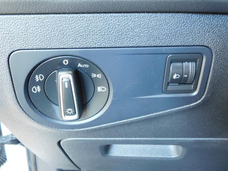 Photo 12 de l'offre de VOLKSWAGEN Tiguan 2.0 TDI 150ch BlueMotion Technology Confortline à 25690€ chez Autovia Véhicules Multimarques