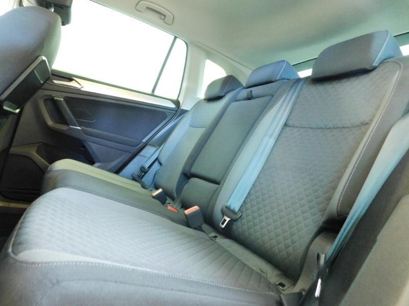 Photo 10 de l'offre de VOLKSWAGEN Tiguan 2.0 TDI 150ch BlueMotion Technology Confortline à 25690€ chez Autovia Véhicules Multimarques