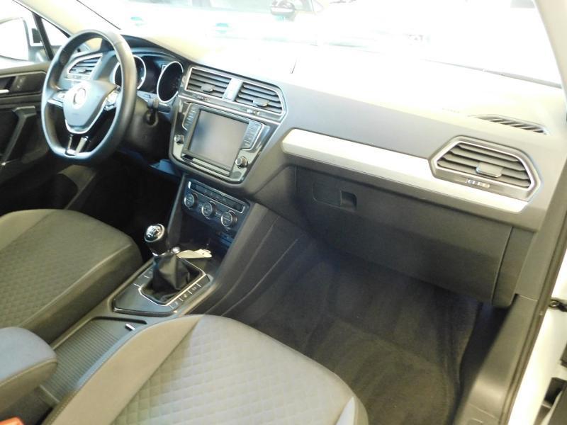 Photo 8 de l'offre de VOLKSWAGEN Tiguan 2.0 TDI 150ch BlueMotion Technology Confortline à 25690€ chez Autovia Véhicules Multimarques