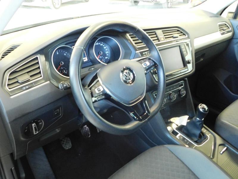 Photo 6 de l'offre de VOLKSWAGEN Tiguan 2.0 TDI 150ch BlueMotion Technology Confortline à 25690€ chez Autovia Véhicules Multimarques