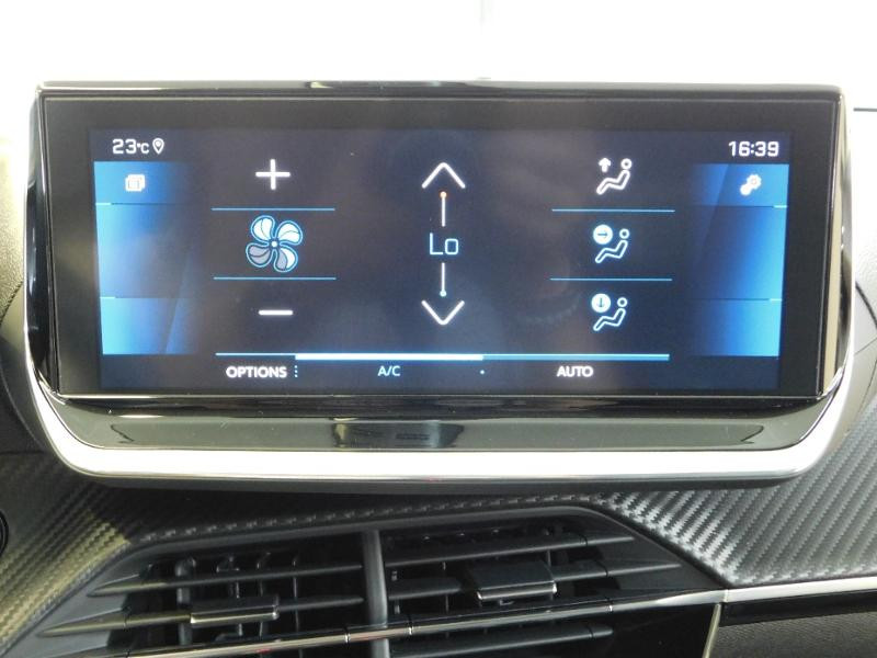 Photo 17 de l'offre de PEUGEOT 208 1.2 PureTech 100ch S&S Allure Pack EAT8 à 24690€ chez Autovia Véhicules Multimarques