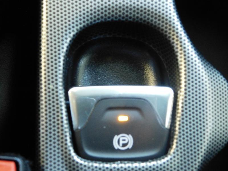 Photo 17 de l'offre de FIAT 500X 1.6 Multijet 130ch Sport à 25990€ chez Autovia Véhicules Multimarques