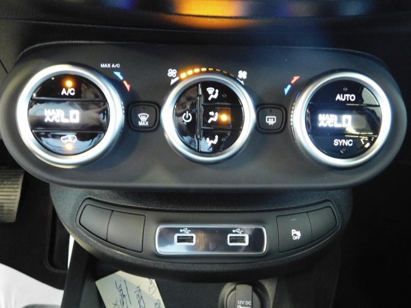 Photo 16 de l'offre de FIAT 500X 1.6 Multijet 130ch Sport à 25990€ chez Autovia Véhicules Multimarques