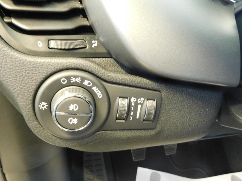 Photo 10 de l'offre de FIAT 500X 1.6 Multijet 130ch Sport à 25990€ chez Autovia Véhicules Multimarques
