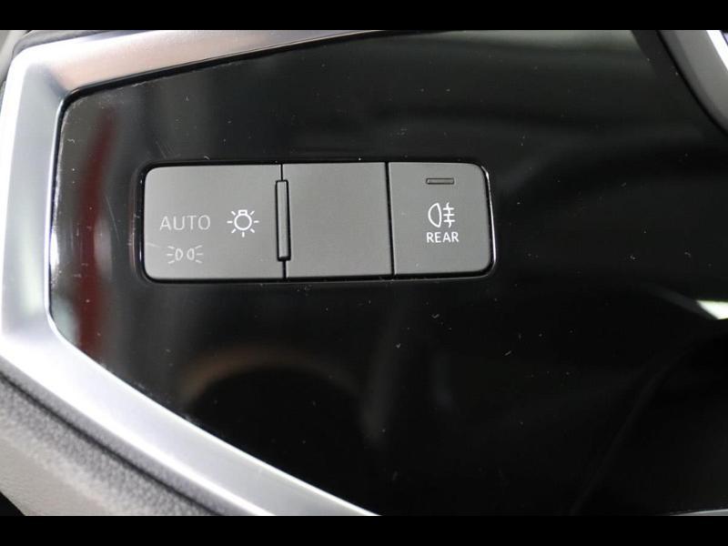 Photo 18 de l'offre de AUDI Q3 35 TFSI 150ch à 35990€ chez Autovia Véhicules Multimarques