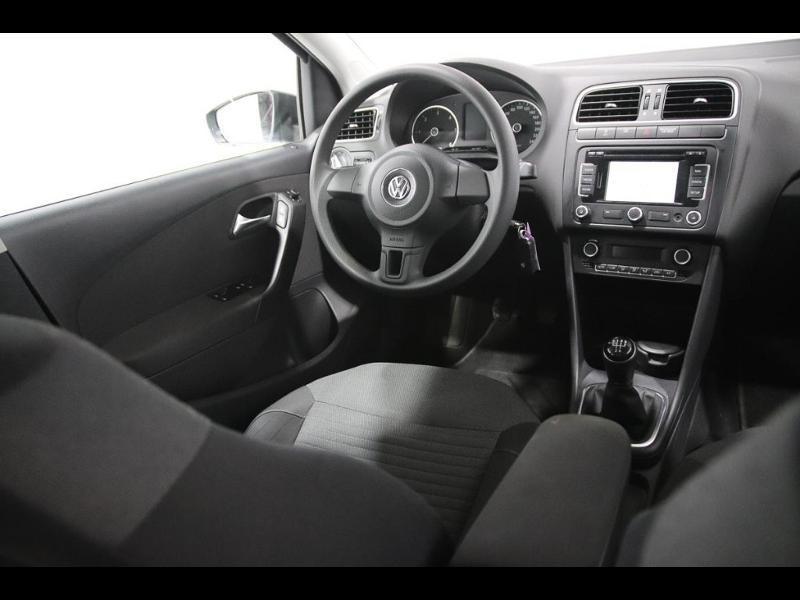 Photo 2 de l'offre de VOLKSWAGEN Polo 1.4 TDI 75ch BlueMotion Technology Trendline 5p à 12990€ chez Autovia Véhicules Multimarques