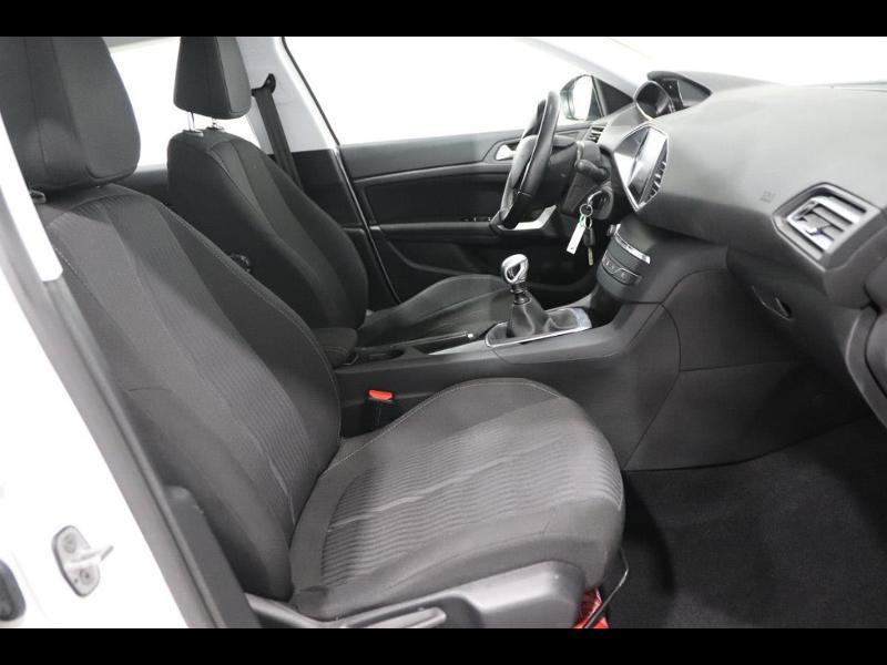 Photo 8 de l'offre de PEUGEOT 308 SW 1.6 e-HDi FAP 115ch Active à 13990€ chez Autovia Véhicules Multimarques
