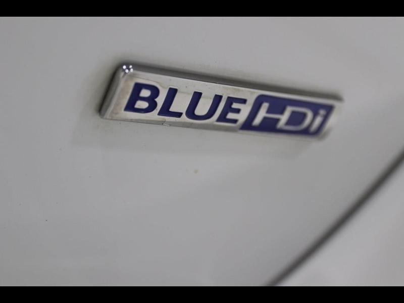 Photo 7 de l'offre de PEUGEOT 308 SW 1.6 e-HDi FAP 115ch Active à 13990€ chez Autovia Véhicules Multimarques