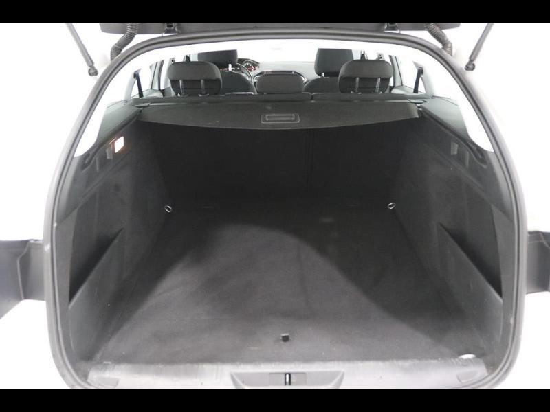 Photo 4 de l'offre de PEUGEOT 308 SW 1.6 e-HDi FAP 115ch Active à 13990€ chez Autovia Véhicules Multimarques