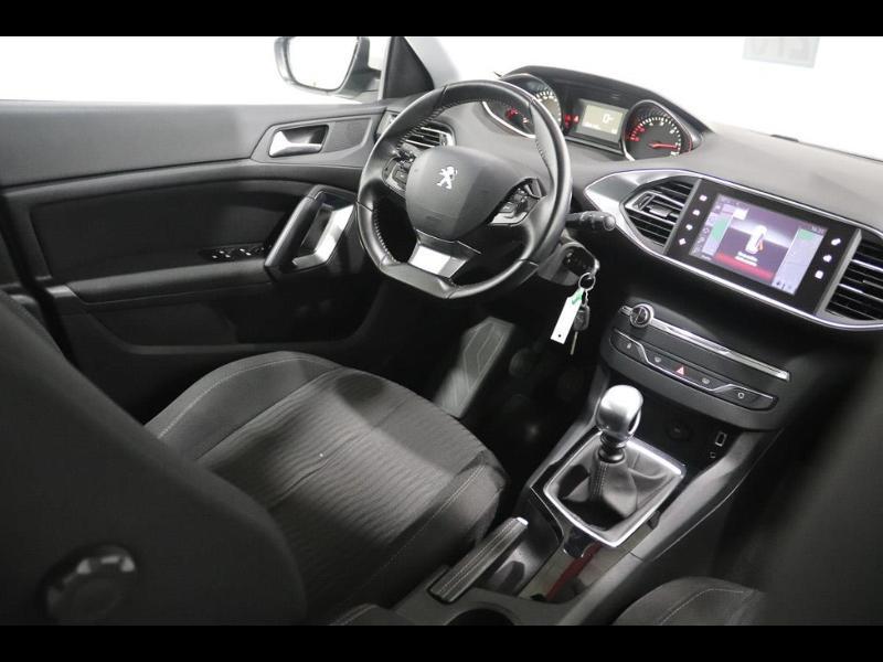 Photo 2 de l'offre de PEUGEOT 308 SW 1.6 e-HDi FAP 115ch Active à 13990€ chez Autovia Véhicules Multimarques