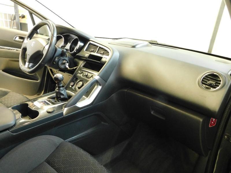 Photo 9 de l'offre de PEUGEOT 3008 1.6 BlueHDi 120ch Style II S&S à 11490€ chez Autovia Véhicules Multimarques