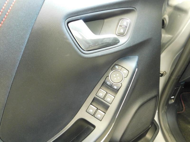 Photo 10 de l'offre de FORD Puma 1.0 EcoBoost 125ch mHEV ST-Line à 23990€ chez Autovia Véhicules Multimarques