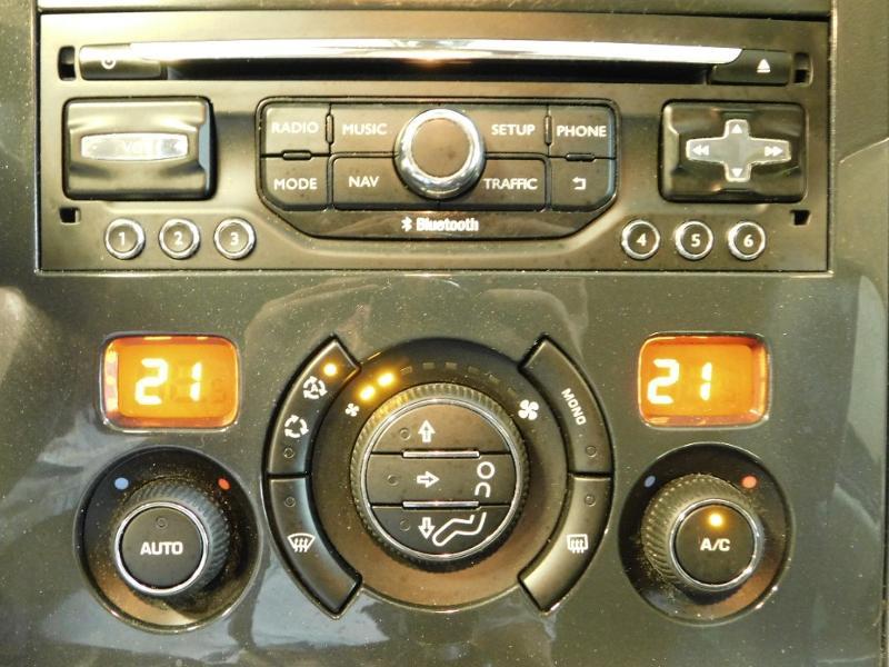 Photo 13 de l'offre de PEUGEOT 3008 1.6 BlueHDi 120ch Style II S&S à 11490€ chez Autovia Véhicules Multimarques