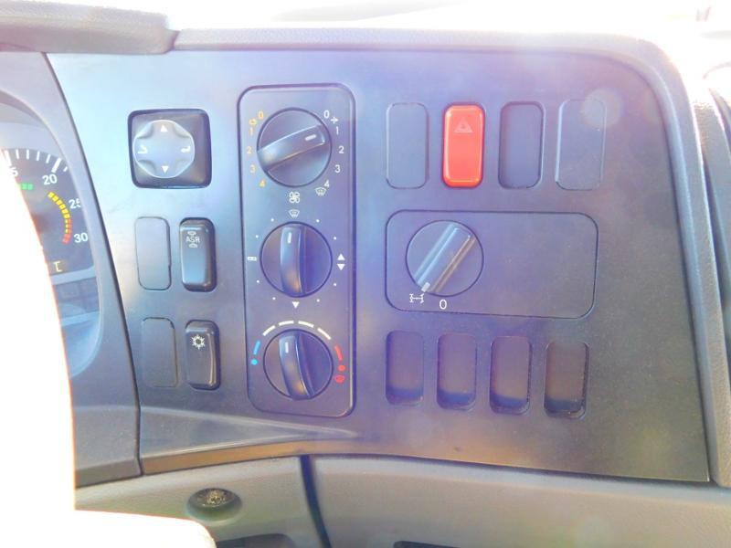 Photo 15 de l'offre de MERCEDES-BENZ Atego 1223 N 48 C à 19000€ chez Autovia Véhicules Multimarques