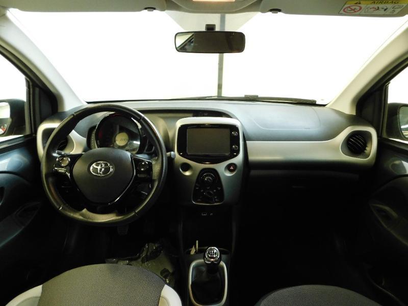 Photo 2 de l'offre de TOYOTA Aygo 1.0 VVT-i 69ch x-wave 2 5p à 9990€ chez Autovia Véhicules Multimarques