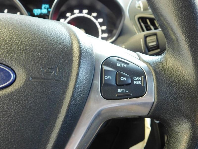 Photo 17 de l'offre de FORD B-MAX 1.0 SCTi 100ch EcoBoost Stop&Start Edition à 11290€ chez Autovia Véhicules Multimarques