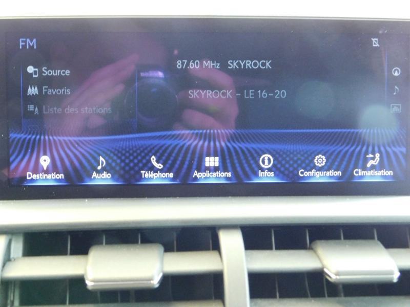 Photo 26 de l'offre de LEXUS NX 300h 4WD Luxe Euro6d-T à 35990€ chez Autovia Véhicules Multimarques