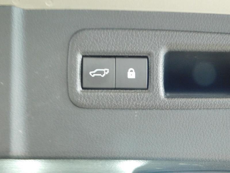 Photo 9 de l'offre de LEXUS NX 300h 4WD Luxe Euro6d-T à 35990€ chez Autovia Véhicules Multimarques