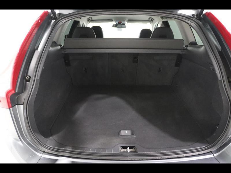 Photo 4 de l'offre de VOLVO XC60 150ch à 28690€ chez Autovia Véhicules Multimarques